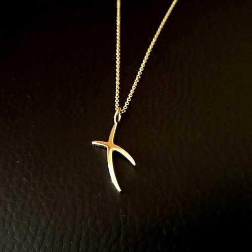 Gold Kiss Pendant Necklace